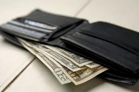 Почему кредитный лимит есть, а деньги не снять?